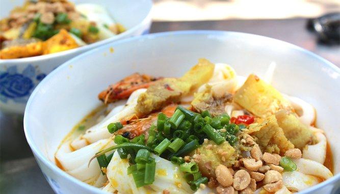 Mỳ quảng bà Mua món ngon tại Đà Nẵng ngon, rẻ.