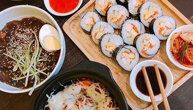 """Top 9 Các Quán Ăn Vặt Ngon Tại Đà Nẵng Có Giá """"Hạt Dẻ""""."""