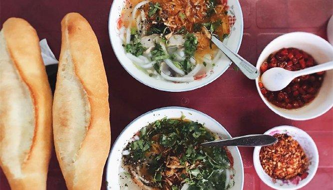 """""""Hút"""" khách với Bánh canh cầu thuận Phước - quán Bánh canh ngon tại Đà Nẵng."""