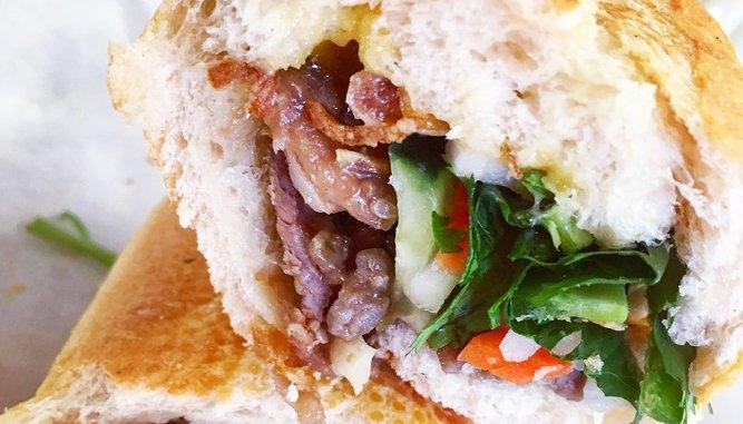 Bánh mì Đà Nẵng ngon, rẻ.