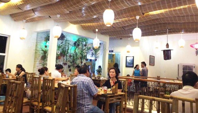 Bánh xèo Tôm nhảy Cô Ba tại Đà Nẵng