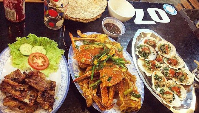 Đa dạng các món hải sản tại quán Đông Anh Đà Nẵng.