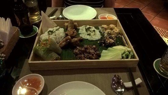 nhà hàng đường Bạch Đằng Đà Nẵng