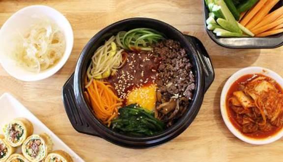 Món ăn ở đây mang đậm vị của Hàn Quốc