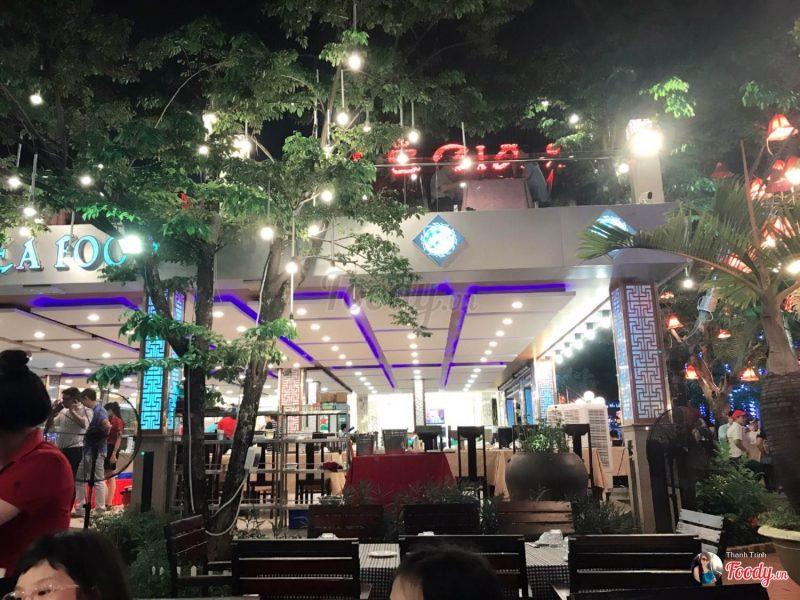 Không gian thoáng đãng tại nhà hàng