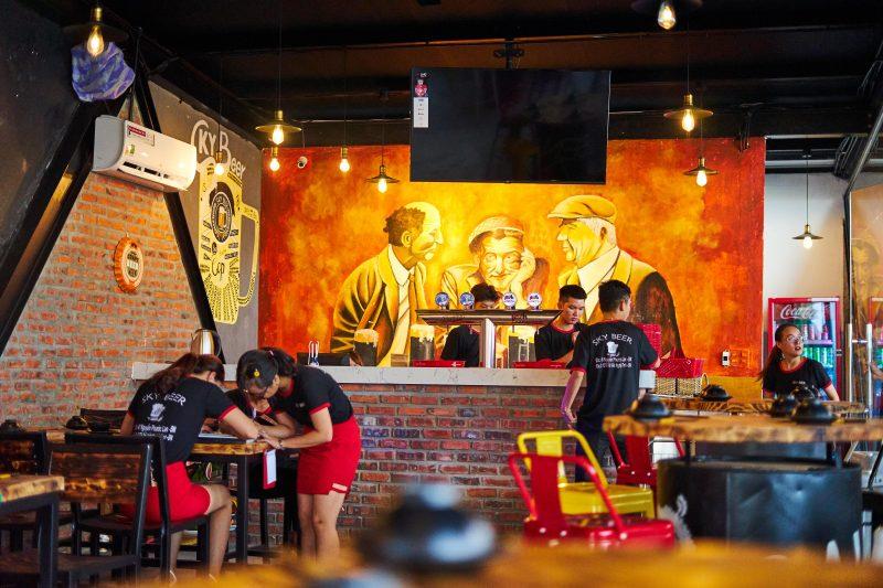 Trải Nghiệm Phong Cách Bia Đức Thượng Hạng Độc Đáo Tại SKY Beer Đà Nẵng