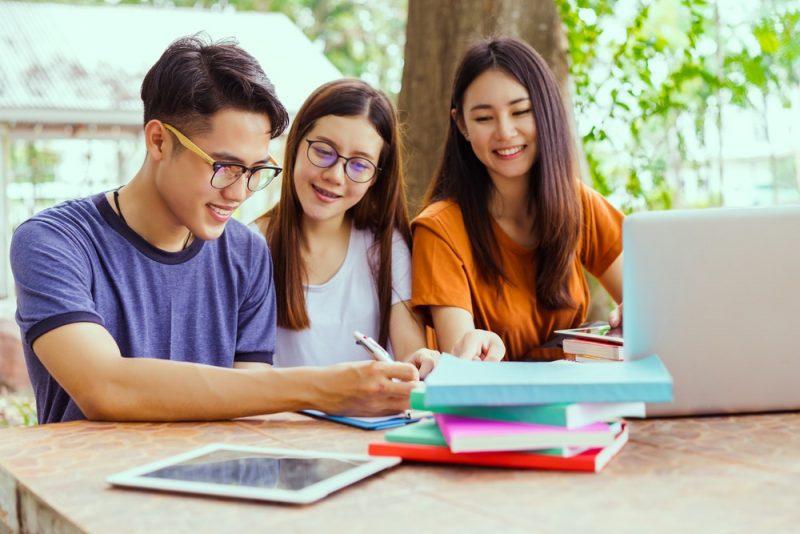 Top 10 Khóa Học Tiếng Anh Online Hiệu Quả Không Thể Bỏ Lỡ