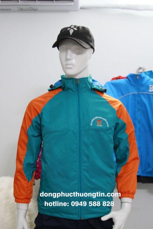 may áo khoác đồng phục
