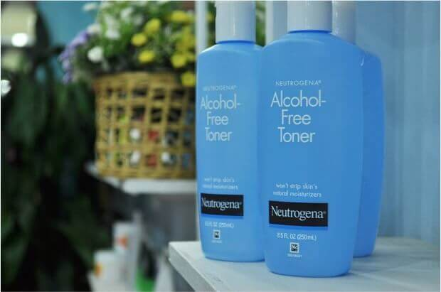 Neutrogena Oil- and Alcohol-Free Toner