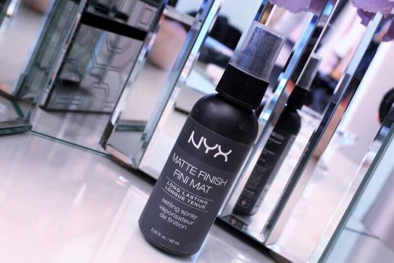 Dòng sản phảm xịt khóa makeup Setting Spray Nyx Matte Finish